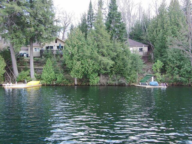 Muskoka Cottages on lake!
