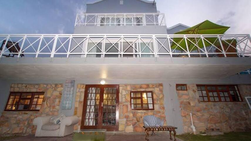 Seascape guesthouse C