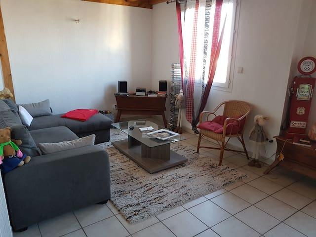 Appartement T2. Amberieu en Bugey. Proche CNPE.