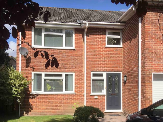 2 bedrooms in family home - close to New Forest