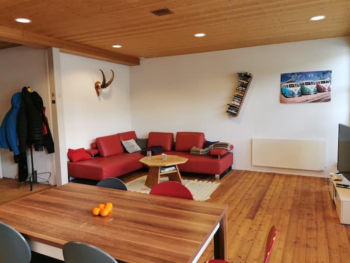Helle und grosse Wohnung mitten in Davos Platz
