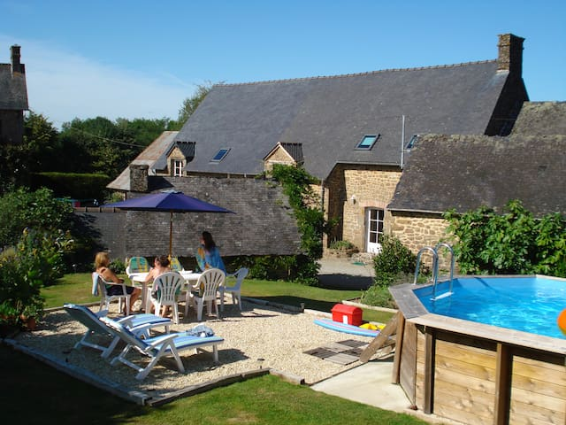 Cottage with pool, in the heart of Mayenne bocage