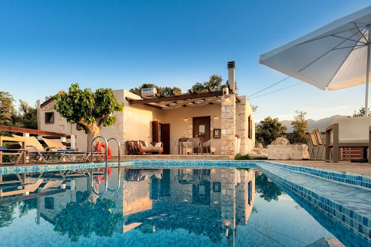 Cozy 2bd Villa, with private pool - Armenoi - Casa de camp