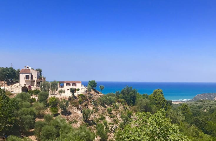 *Private Villa 4 bdrm Pool Sea View Olive Grove*