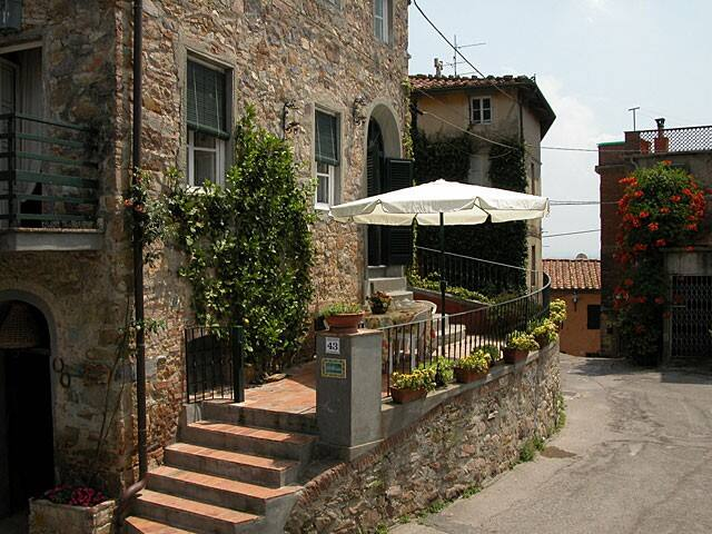 Holiday home created in an ancient defensive tower - Capannori - Casa