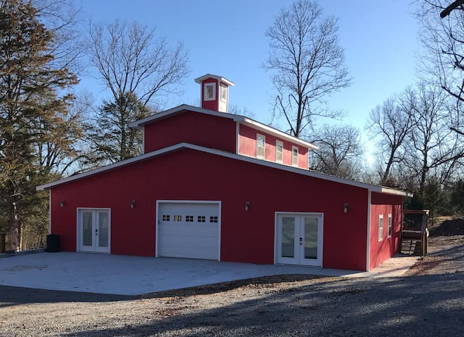 Red Barn - Beautiful Bull Shoals Lake, Pontiac, MO - Pontiac - Loft