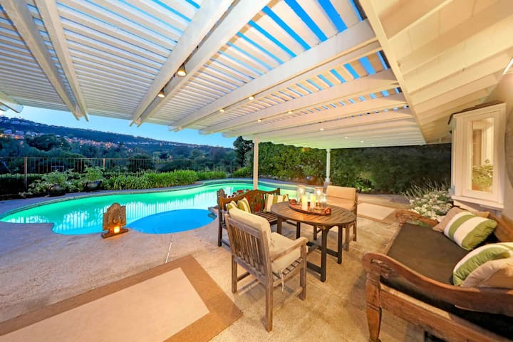 Golf Course View Home with Private Pool and Jacuzzi