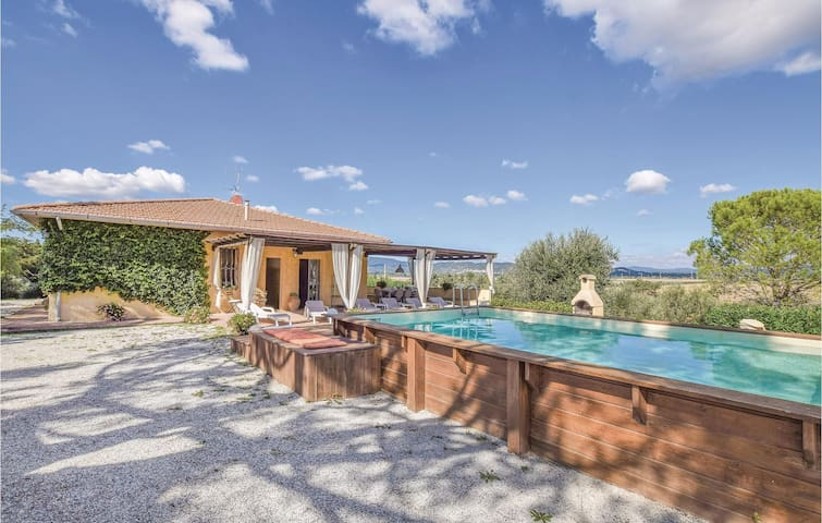Holiday cottage with 4 bedrooms on 150m² in Campiglia Marittima LI