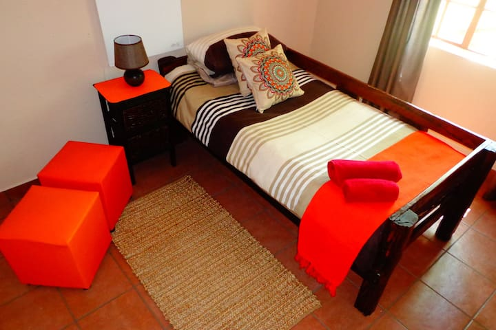 A.J.M Accommodation - Delmas - Bed & Breakfast