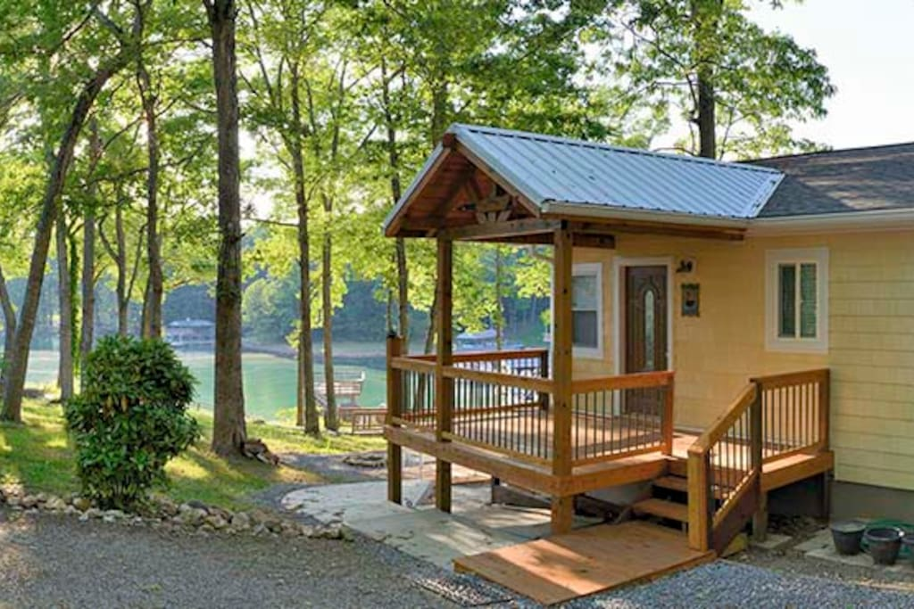 Lasota Cottage At Lakeaway On Smith Mountain Lake