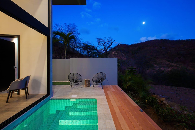 Enjoy an al fresco evening poolside.