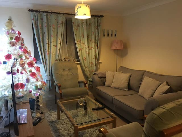 Double Room in a Nice and Warm Flat in Kettering - Kettering