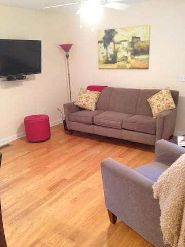 In-Law Apartment w/Private Entrance - Waterford - Apartamento