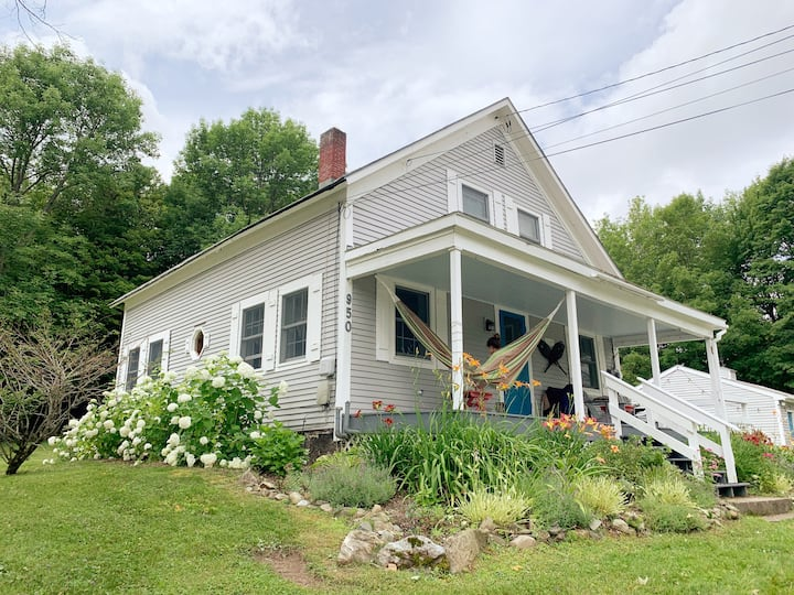 Charming Farm House in Mt Holly near Okemo