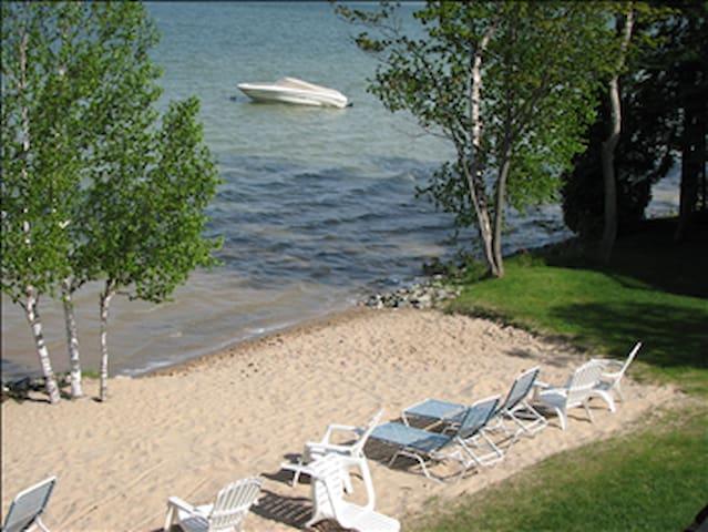 Round Lake Condo in Petoskey