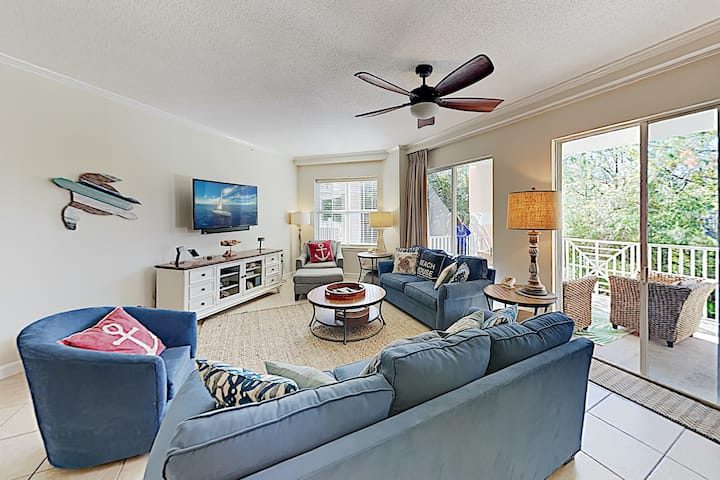 Beachfront Condo at Blue Lupine with Pool, Hot Tub