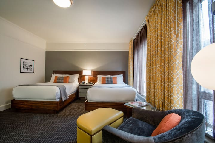 Hotel Lucia, Deluxe Two Double Beds