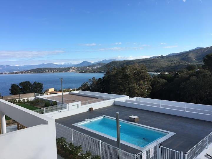 Bel appartement 4 chambres 120 m² vue mer, piscine
