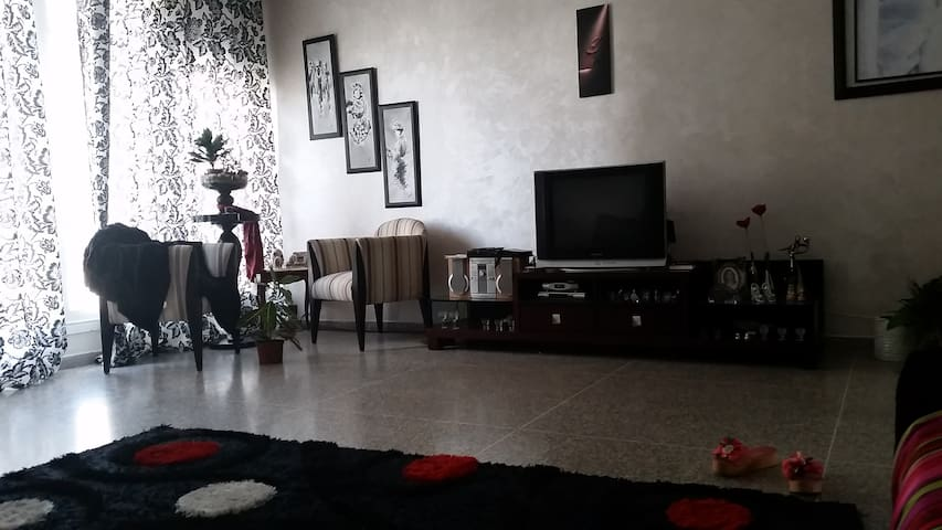 bel appartement au centre de casa - Casablanca - Apartment
