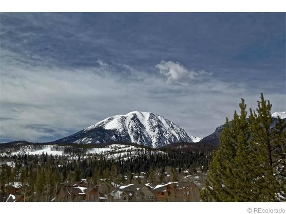 Amazing Mountain View from Backyard Deck