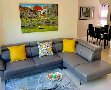 Modern 3 Bed In Gated West Hills, Petit Valley #5