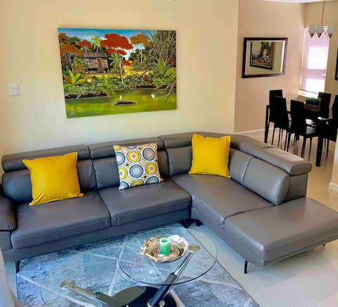 Modern 3 Bed In Gated Community #5