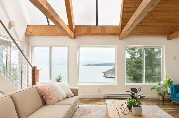 Sunshine Coast Waterfront Dream Home