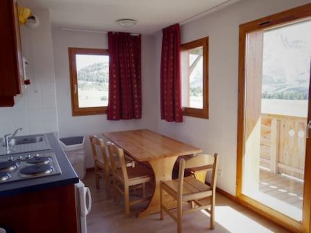 AN45 - APARTMENT IN CHALET OF 30 UNITS, VALLEY FACING - LE DEVOLUY - Flat