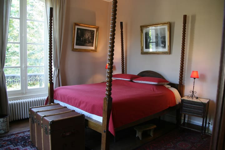 Chambre de Charme au Manoir de Curty - Imphy - Bed & Breakfast