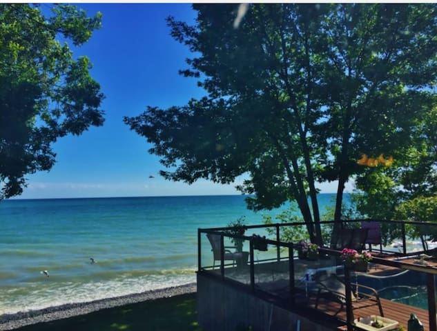 Beach House Apartment with a Swimming pool - Brighton - Cabin
