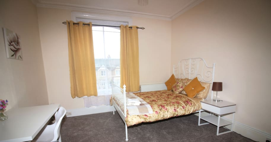 Private room in historic town centre. - Colchester