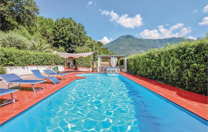 Holiday cottage with 3 bedrooms on 100m² in Camaiore (LU)