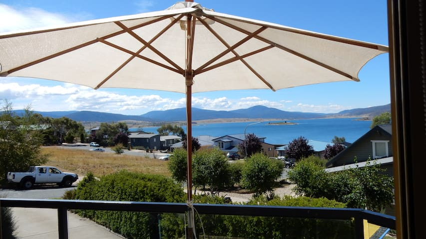 Stunning,close lake views, 1 bm apt - Jindabyne - Flat