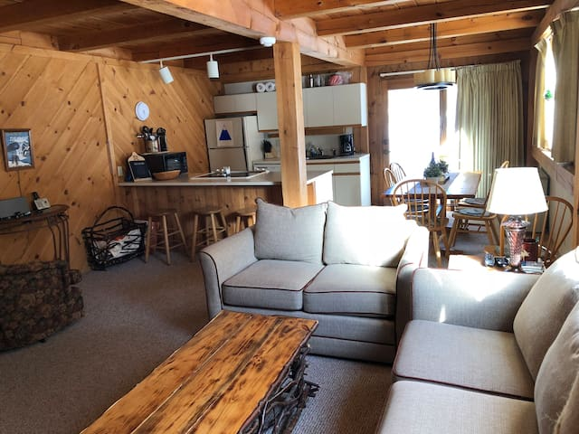 Sugarloaf Mountain, ski-in, ski-out condo, golf