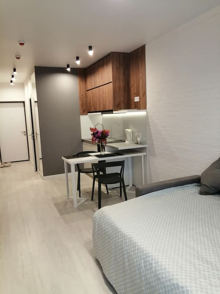Stylish compact apartment near the metro