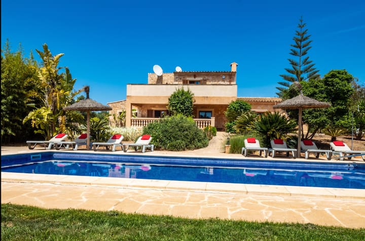 Son Peris comfortable country house in the valley