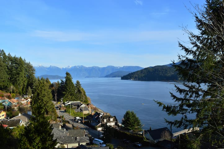 Spacious View Suite Overlooking Howe Sound
