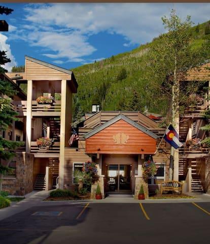 Christmas Week Vail Colorado Dec 25-Jan 1 20-21