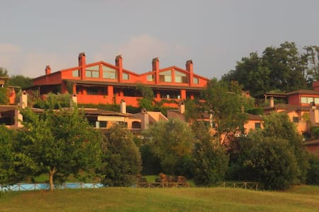 Panoramic villa near Golf Nazionale - 蘇特里(Sutri) - 連棟房屋