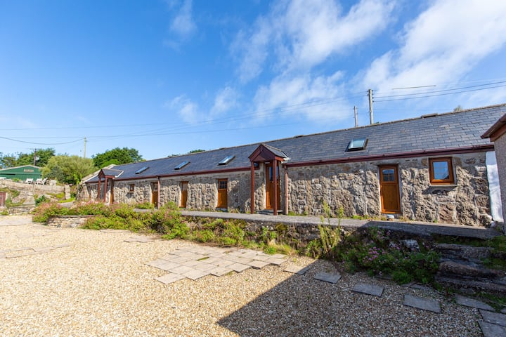 Lands End Cottages no2