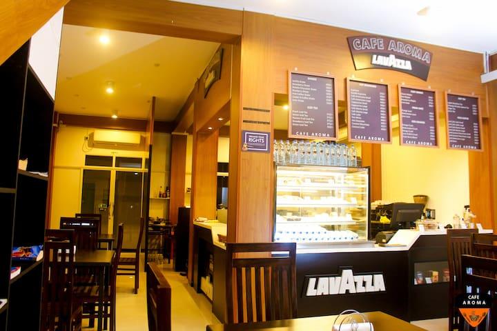 UNAWATUNA GUEST LAVAZZA Cafe Aroma