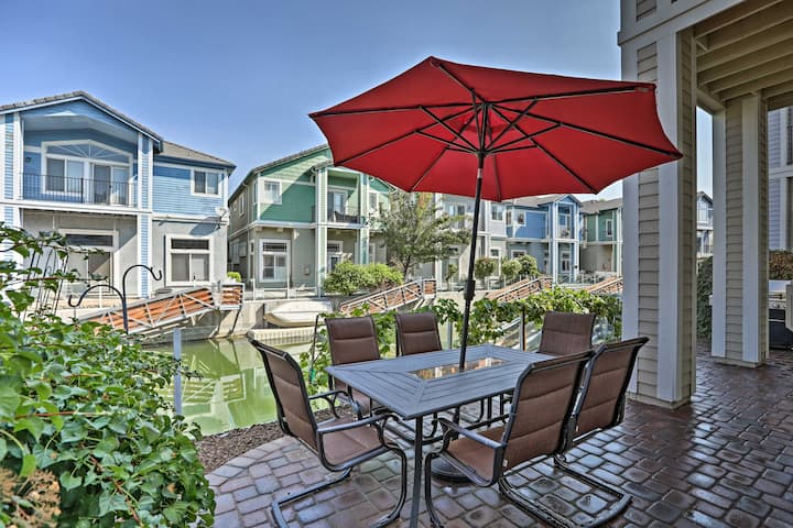 Sparks Home w/ Dock & Patio, 35 Miles to N. Tahoe!