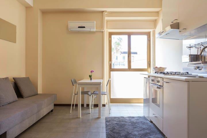 Monolocale Catania La Maison de Flo - Catânia - Apartamento