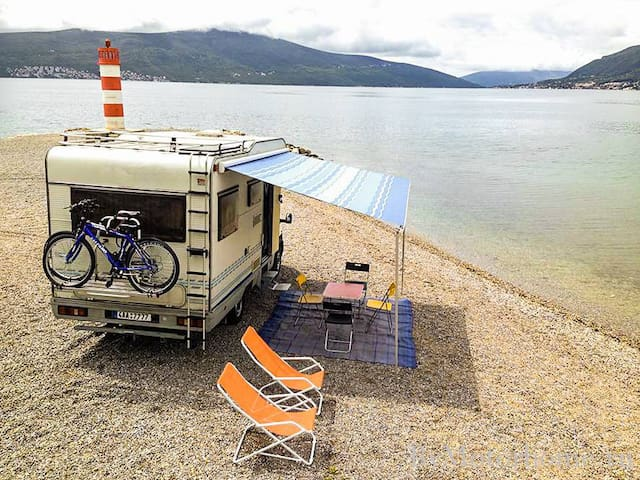 Motorhome Ford Kayak (4 people) - 75euro/day