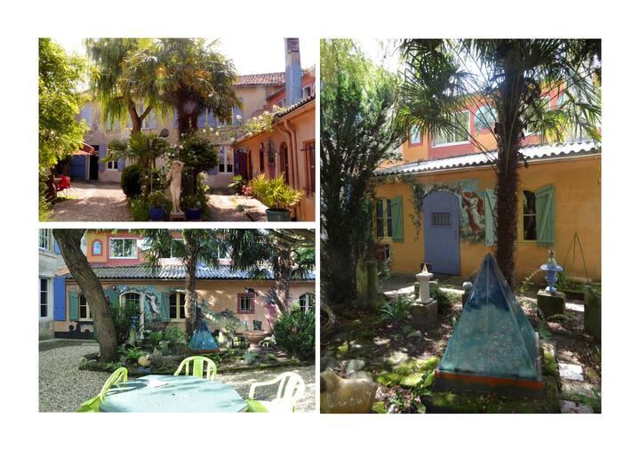 Maison d'artiste en Charente - Très grand jardin
