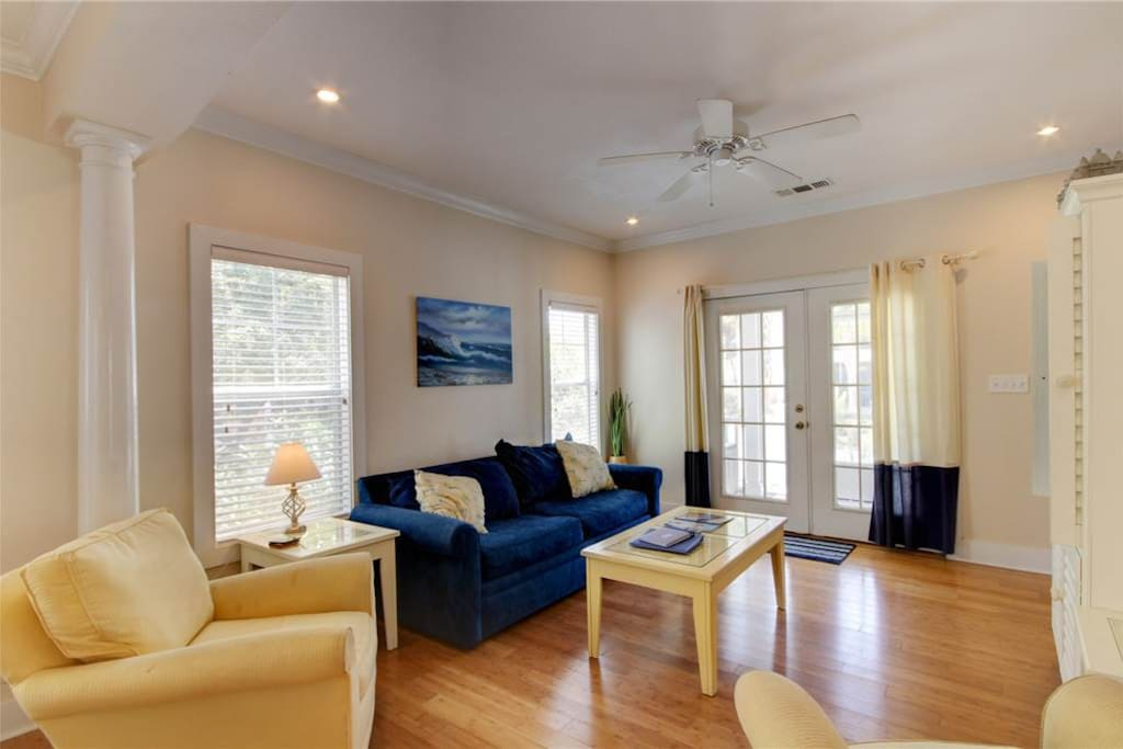 Couch, Furniture, Chair, Floor, Flooring
