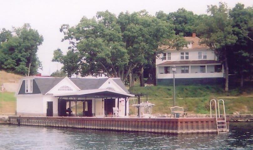 Spacious Island Home-Grindstone Isl, Clayton, NY