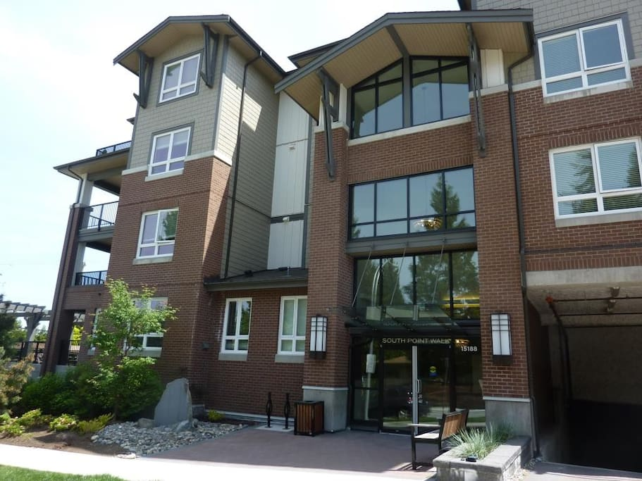 2 Bedrooms Apartment Suite Monthly Rent Apartments For Rent In Surrey British Columbia Canada