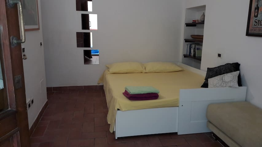 double room with private entrance - Castiglione della Pescaia - Apartment