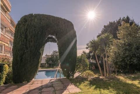 Apartamento resort 1, con vistas a la piscina.